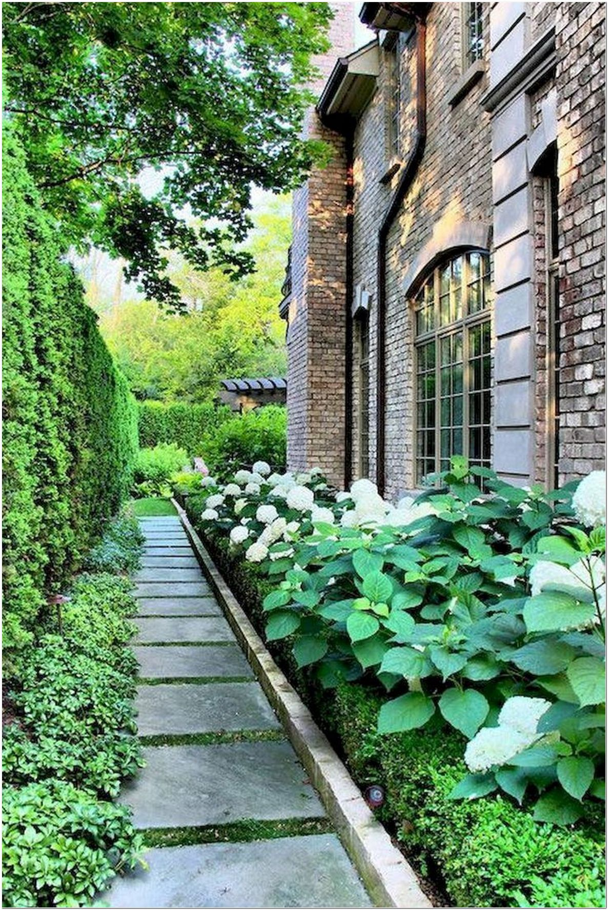82 Most Amazing Side Yard Landscaping Ideas To Beautify ... on Side Yard Designs id=53023