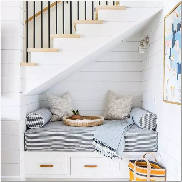 Flight of stairs reading nook