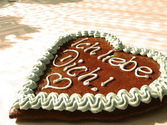 gingerbread-heart-494418_640