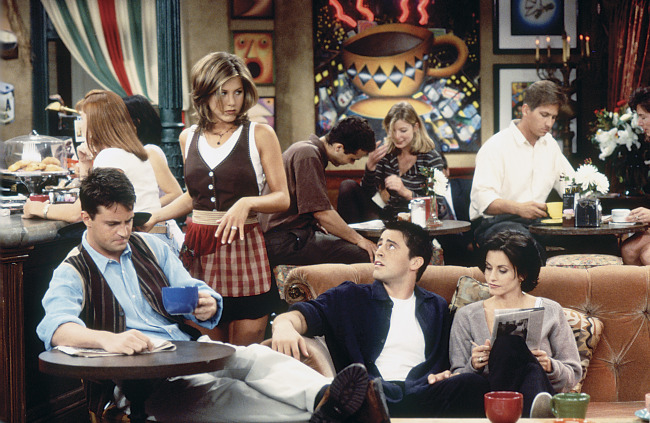 """FRIENDS -- """"The One With the Breast Milk"""" Episode 2 -- Pictured: (l-r) Matthew Perry as Chandler Bing, Jennifer Aniston as Rachel Green, Matt Le Blanc as Joey Tribbiani, Courteney Cox as Monica Geller  (Photo by Gary Null/NBC/NBCU Photo Bank via Getty Images)"""