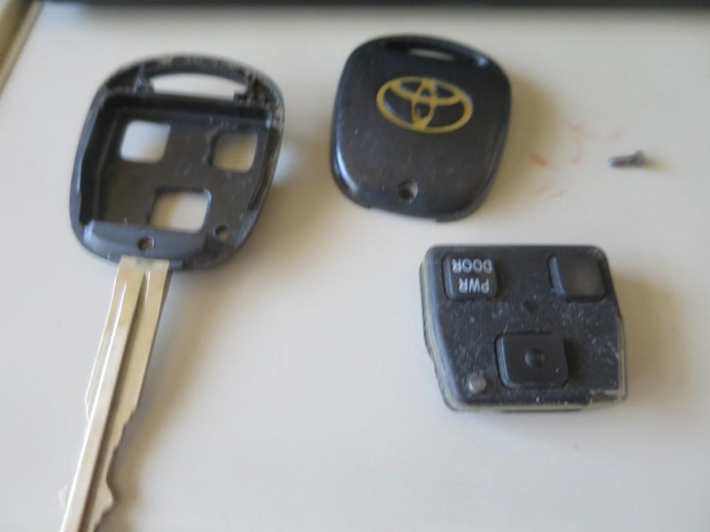 トヨタノアAZR60キーレスキーの設定