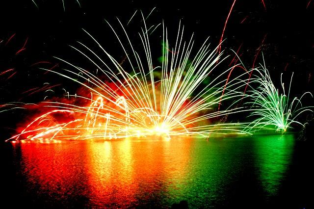 那須りんどう湖花火大会部屋から花火