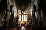 <h5>Interior of the basilica</h5><p></p>