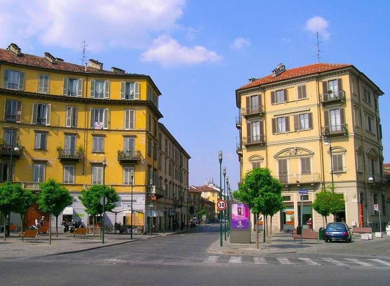 Piazza Borgo Dora