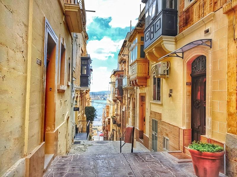 Conspicuous - Malta