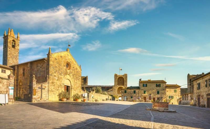 Monteriggioni Square