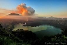 Výbuch sopky Mt.Barujari na Lomboku