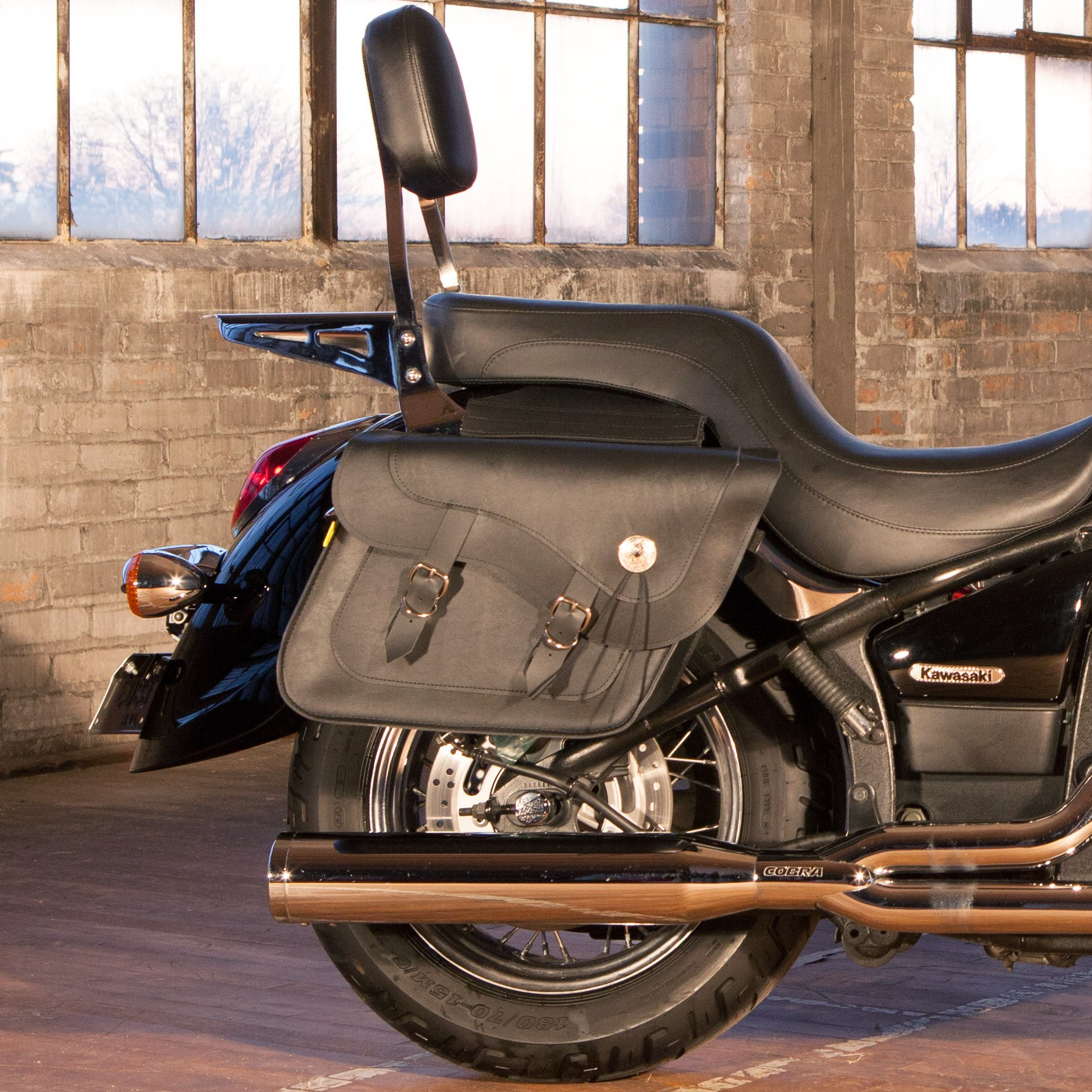 Dowco Willie and Max Deluxe Large Slant Saddlebags on a Kawasaki Vulcan 950