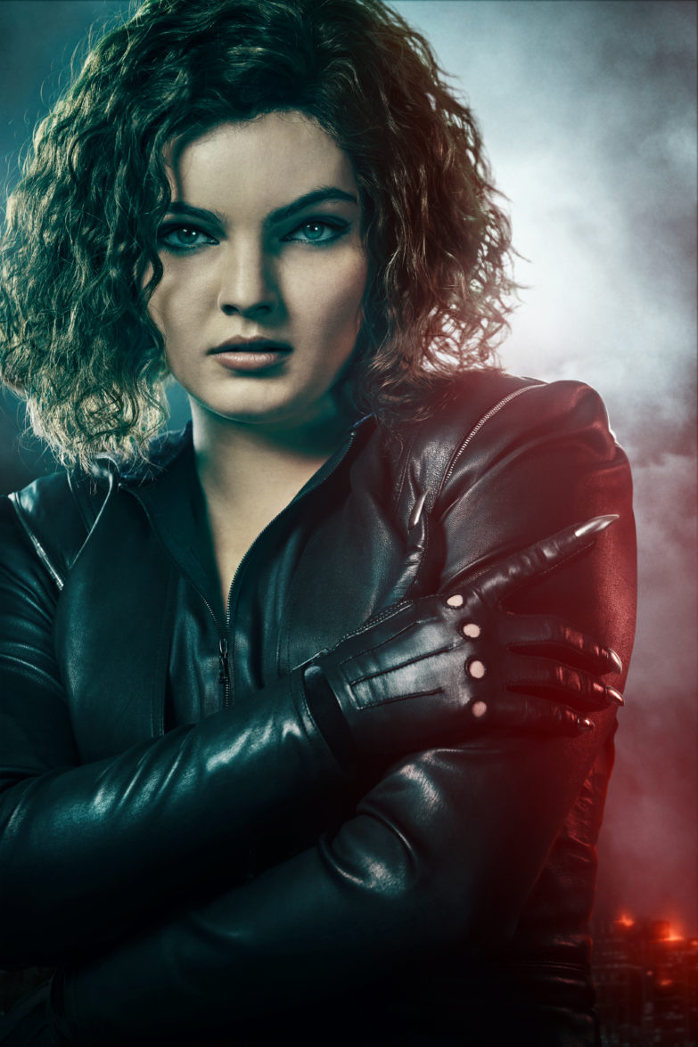 Gotham Re-Casts Catwoman For Its Finale; Camren Bicondova