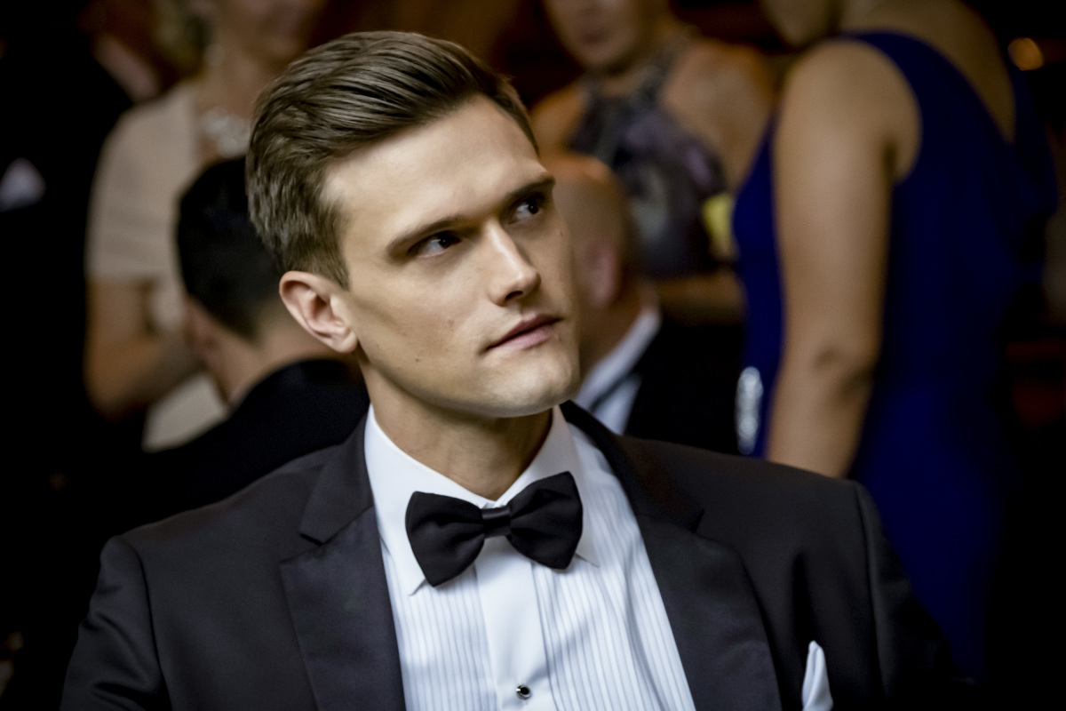 Hartley Sawyer as Ralph Dibny