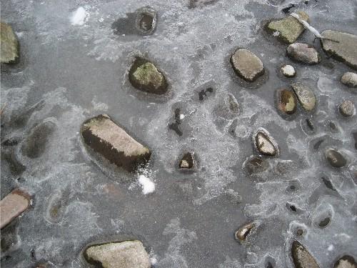 icy-rocks