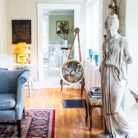 Polly Peters and Bear Blake's 187-year-old Mount Vernon home