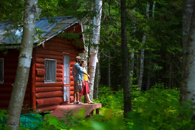 The Downings' cabins - Maine Inns