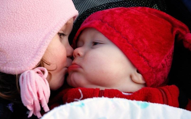 Hd Wallpaper For Free Images Baby Kissing