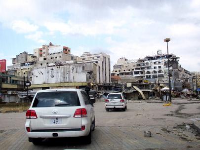 Um comboio de observadores da ONU viaja na Síria. Foto: UNSMIS.