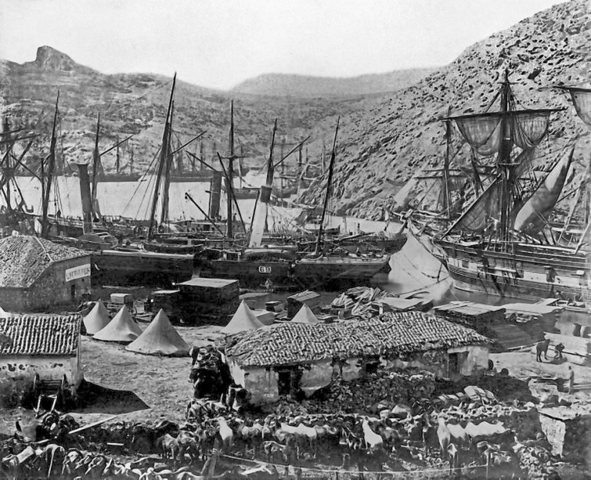 Cossack_bay.Balaklava_1855.3a06075r_(retouched)
