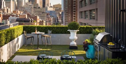 rooftop patio1 e1310416444585 Urban Gardens Galore