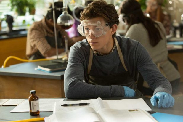 Peter Parker (Tom Holland) in science class