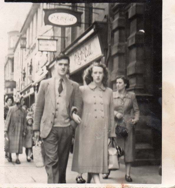 Willie and Anne Patterson in Perth in August 1952, Perth. Image courtesy Chrys Muirhead
