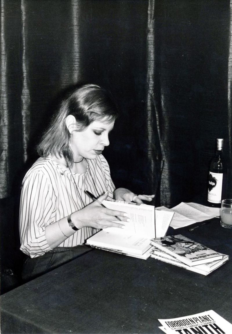 Forbidden Planet hosted a signing with fantasy writer Tanith Lee in 1979. The author of over 90 novels and 300 short stories, Tanith was autographing copies of her book The Castle of Dark.