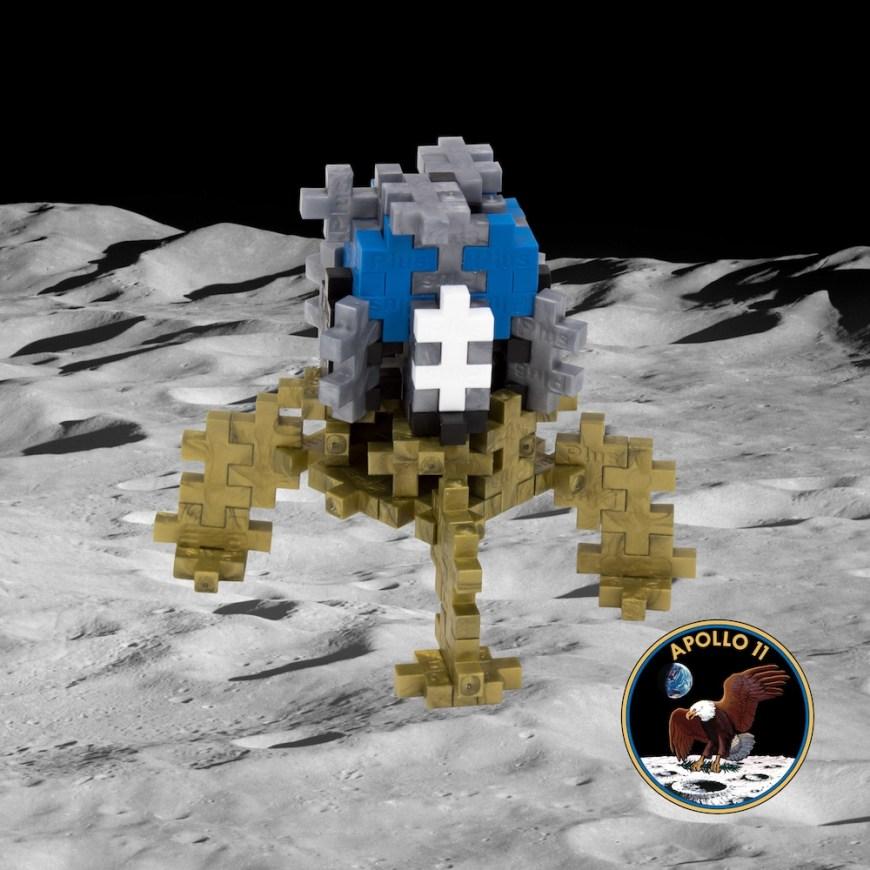 Plus-Plus Moon Lander