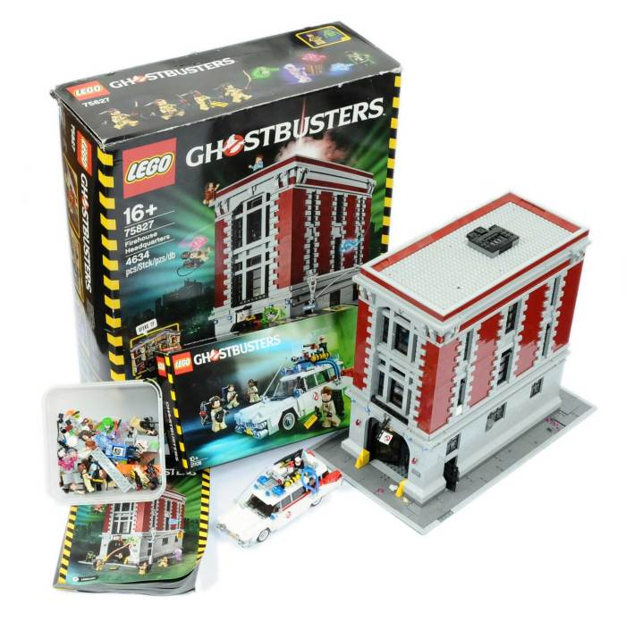 "Lego 75827 - ""Ghostbusters"" Fire House Headquarters - built model - appears Good to Excellent but not checked for completeness (with instructions) with Good original box, also included Set 21108 - Ghostbusters Ecto-1 - built model with original box and instructions."