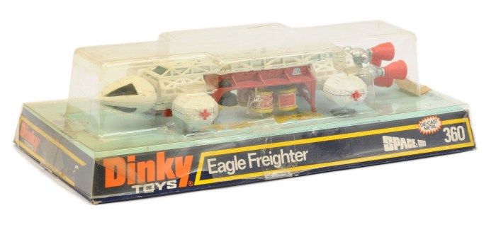 """Dinky 360 """"Space 1999"""" - Eagle Freighter - white, red including side and rear thrusters"""