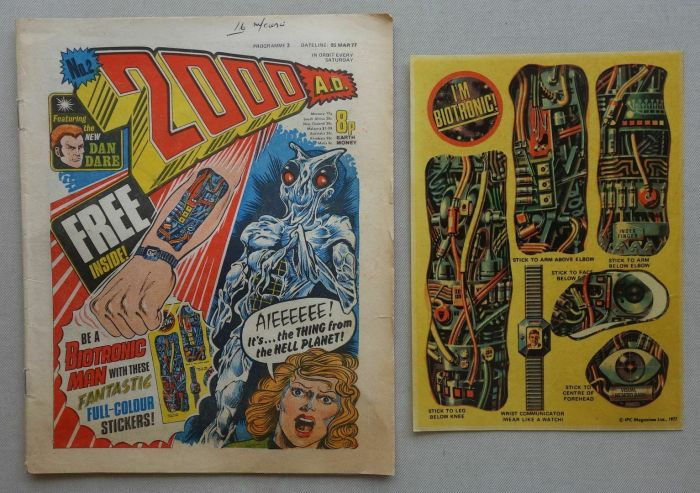 2000AD Prog 2 with free gift