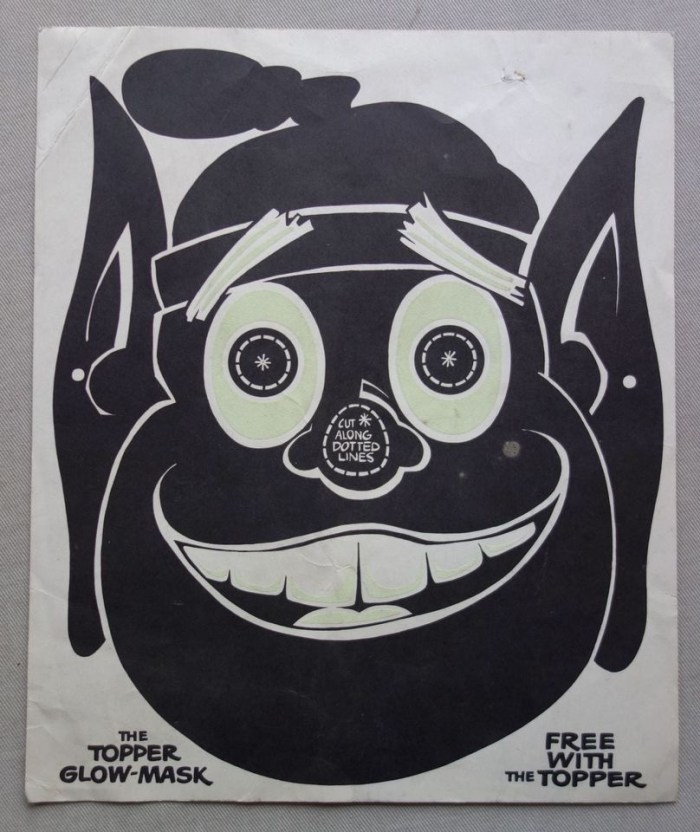 Topper Free Gift Glow-Mask from No. 924, cover dated 17th October 1970