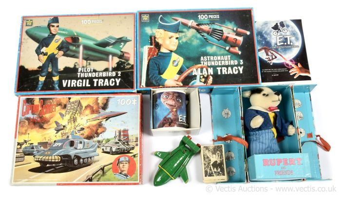 Mixed lot of jigsaws including Captain Scarlet and Thunderbirds jigsaw puzzles