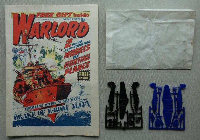 """Warlord No. 19, cover dated 1st February 1975, with free """"Model Planes"""" gift"""