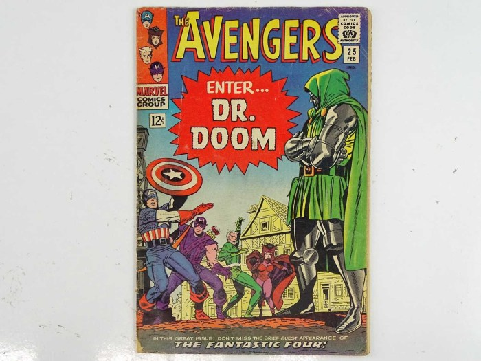 AVENGERS #25 (1966 - MARVEL) - Fantastic Four and Dr. Doom appearances - Jack Kirby cover with Don Heck interior art