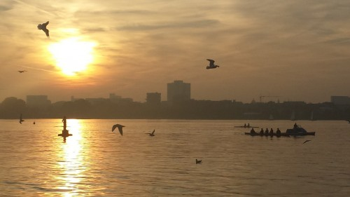 Hamburg for Explorers #1: A City Walk round the outer Alster