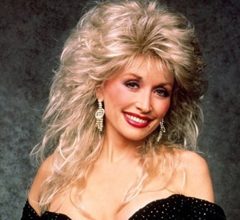 Dolly Parton Shares Throwback Photo Of