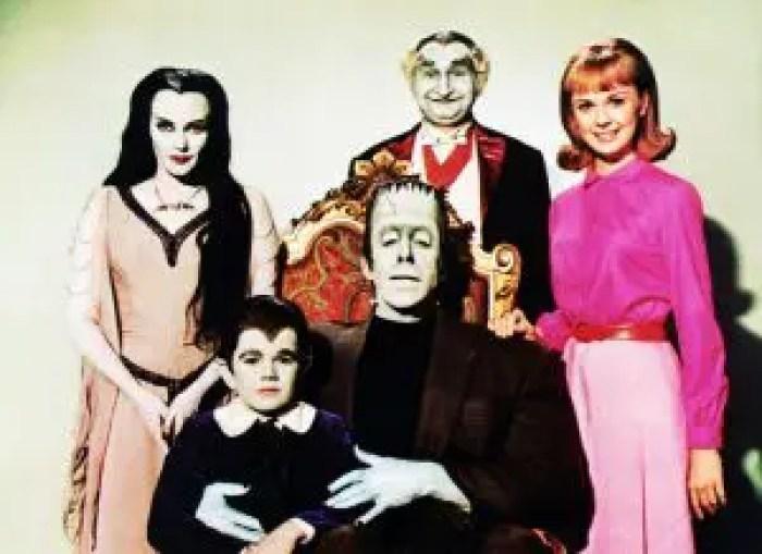 MUNSTER, GO HOME, from left, Yvonne De Carlo, Butch Patrick, Fred Gwynne, Al Lewis, Debbie Watson, 1