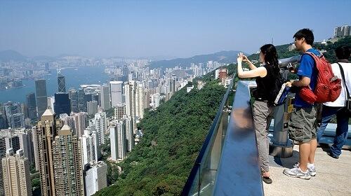 Uitzicht vanaf het Sky Terrace op Victoria Peak Tower - Hong Kong, S.A.R. China