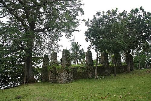 Ruïnes van een kerk - Camiguin, Northern Mindanao, Filipijnen