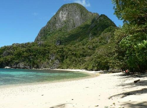 Natnat Beach, Cadlao Island in de Bacuit Bay - El Nido, Palawan, Filipijnen