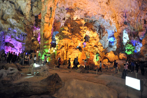 Thien Cung Cave - Halong Bay, Noord Vietnam