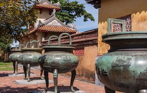 Dynastieke Urnen - Keizerlijke Stad, Hue, Vietnam