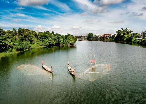 Vissers op de Parfumrivier (Perfume River) - Hue, Vietnam