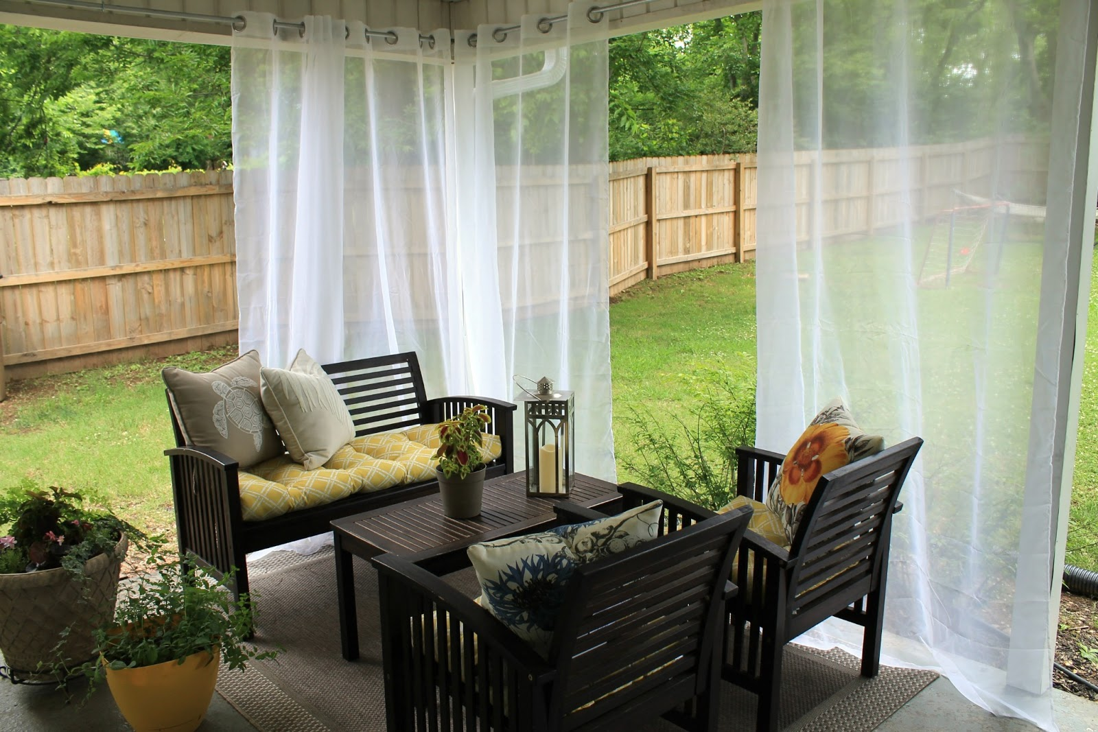 different types of outdoor curtains