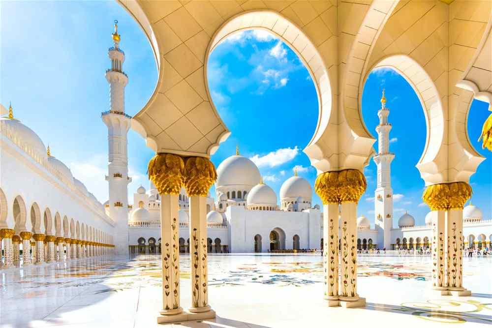 Grand Mosque of Sheikh Zayed in Abu Dhabi