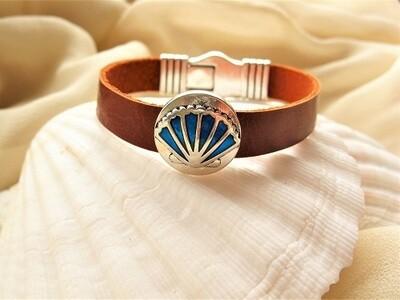 Camino de Santiago travel bracelet - leather + shell charms
