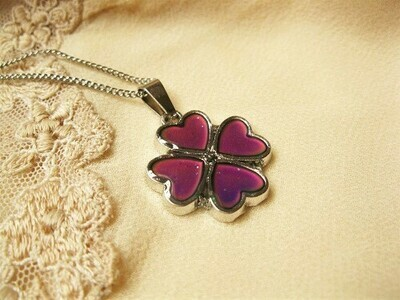 Lucky clover mood change necklace