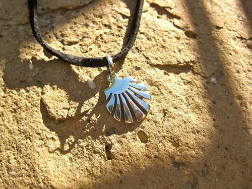 Camino scallop shell necklace / concha de vieira ~ medium