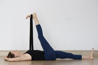 ASANA: Toe Squat, Ankle Stretch, Hamstring Release