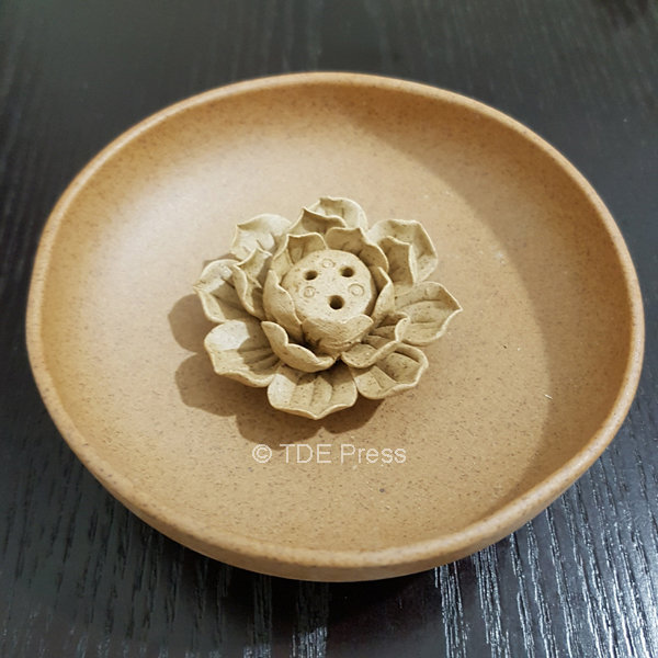 Lotus Incense Holder With Round Base
