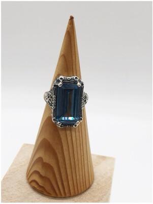 Sterling Silver Baguette Blue Topaz