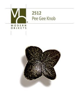 Modern ObjectsDesigner Hardware Pee Gee Hydrangea Cabinet Knob